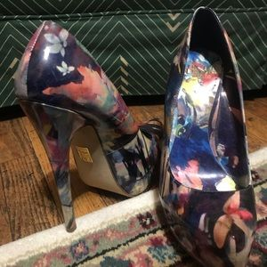 Truth or dare by Madonna floral pump